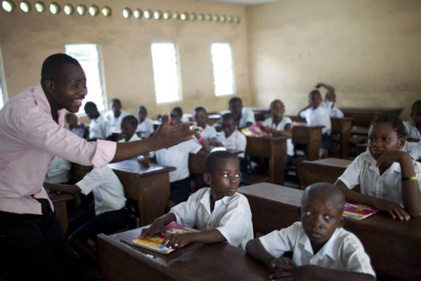 Les enseignants ne doivent pas être les seuls mis en cause quand c'est le système qui est défaillant, selon l'UNESCO
