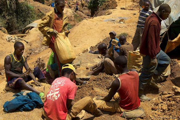 Projets extractifs miniers : La Fondation pour le Développement au Sahel présente l'Etude  sur les droits des communautés