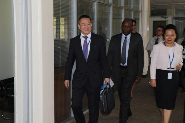 @un_greatlakes/Aaron Kakunza L'Envoyé spécial de l'ONU pour la région des Grands lacs d'Afrique, Juang Xia, arrive à Nairobi pour prendre ses fonctions, le mardi 2 avril 2019.