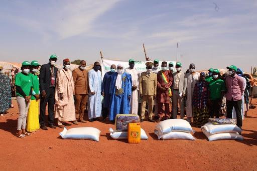 RSE : la BNDA offre des vivres et des couvertures aux déplacés   à Sévaré