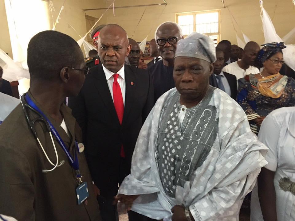 Tony Elumelu témoigne sa sympathie à la Sierra Leone avec un don de 500 000 dollars