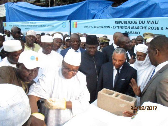 Rénovation du Marché Rose et des Halles aux légumes : Le président Ibrahim Boubacar Keïta lance les travaux