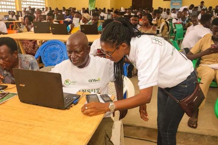 La Côte d'Ivoire s'appuie sur les blogueurs pour réduire sa fracture numérique