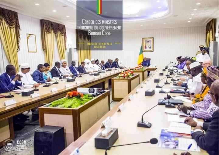 Conseil des ministres inaugural: Relever les défis de l'heure