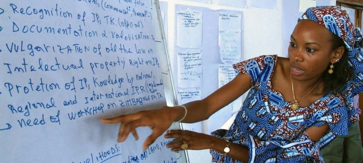 Association pour les femmes et les peuples autochtones (AFPAT) Hindou Oumarou Ibrahim, du Tchad, est Défenseure des ODD.