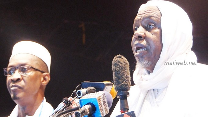 Mali : L'imam Mahmoud Dicko tacle les autorités de la transition et appelle à l'union sacrée