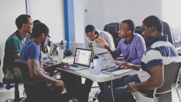 Création d'emploi en Afrique : Un nouveau rapport partage des exemples de politiques réussies