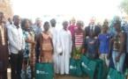 RSE : La  BICIM appuie les élèves du village de Mouzoun avec un don de 565 kits solaires